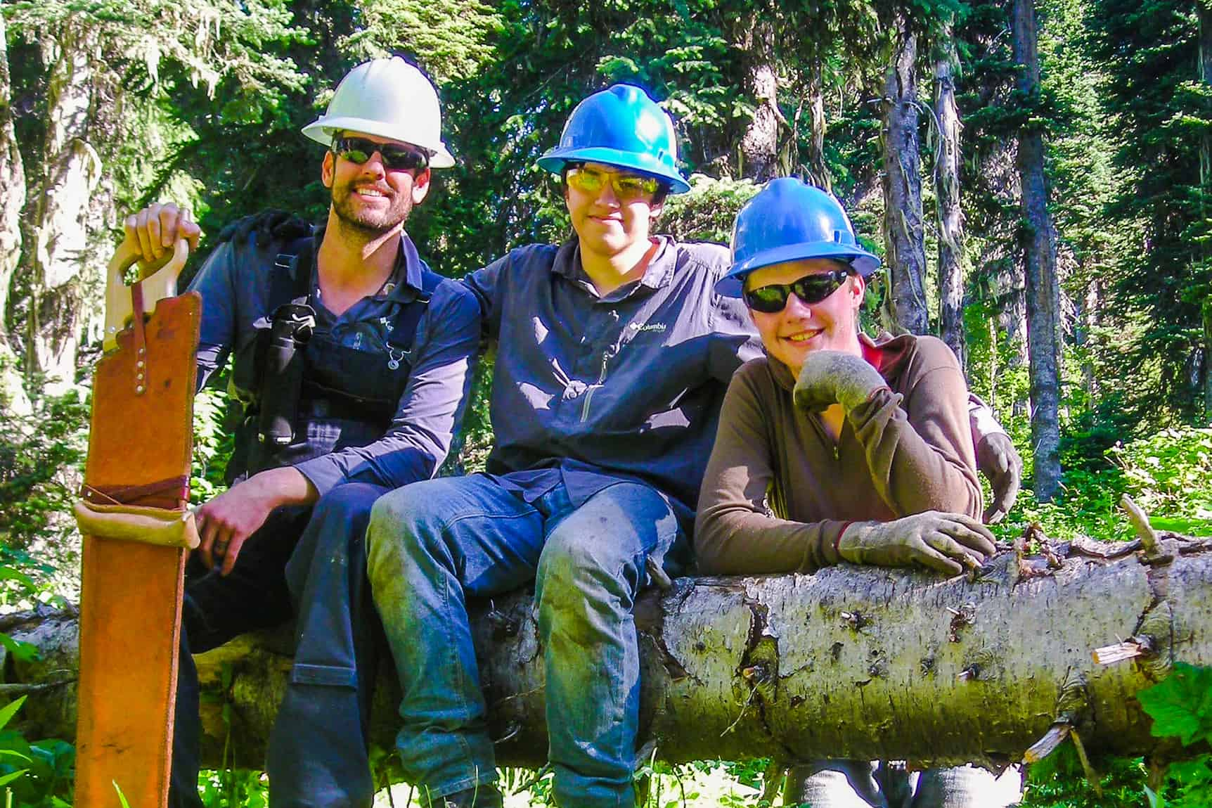 trail volunteer crew